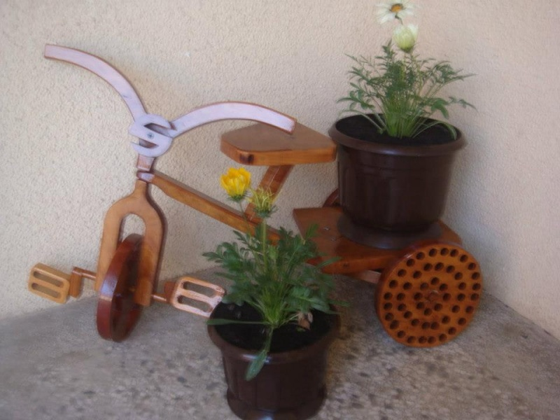Stalci i police za biljke.. 611