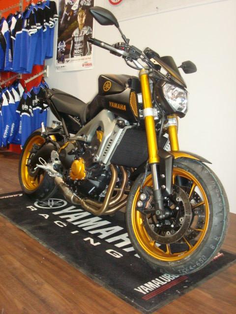 Petite prépa réalisé par le concess Yamaha de Poitiers (MotoStart) Dsc00012