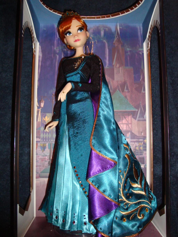 Disney Store Poupées Limited Edition 17'' (depuis 2009) - Page 40 Dsc03012