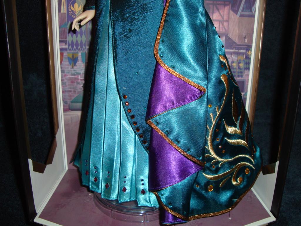 Disney Store Poupées Limited Edition 17'' (depuis 2009) - Page 40 Dsc03016