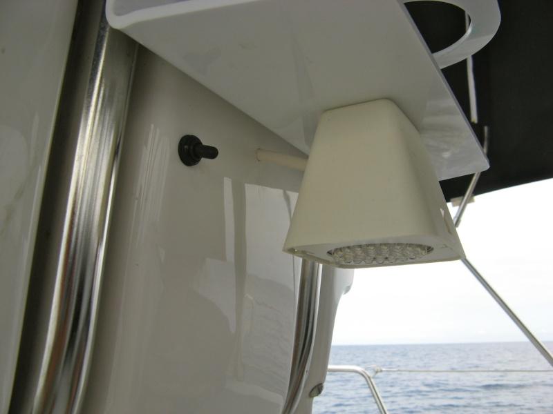 Aménagement porte-gobelet cockpit Img_1010