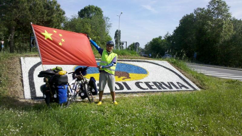 Danimarca Italia India Cina in bicicletta è il viaggio avventura di un giovane cinese. 2014-010