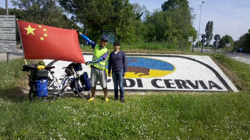 Danimarca Italia India Cina in bicicletta è il viaggio avventura di un giovane cinese. 2014-012