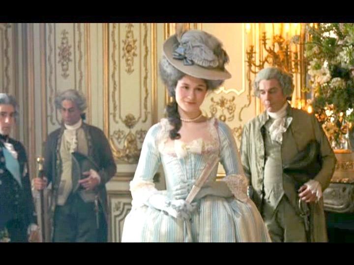"""Le """"Marie Antoinette"""" de Sofia Coppola en live et réflexions subséquentes - Page 21 005mra12"""