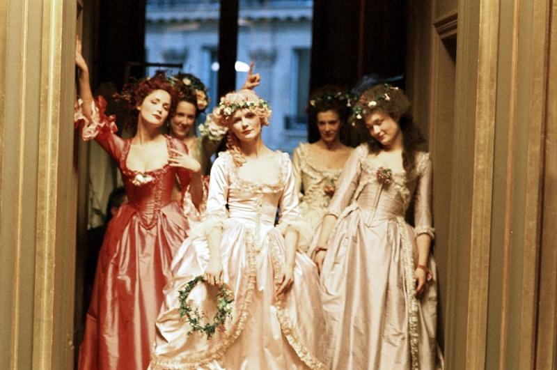 Que penser du Marie Antoinette de Sofia Coppola? 006-ma10