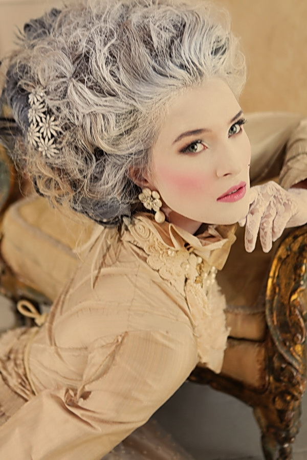 "Marie Antoinette's Dream – ""Je Vous Salue Marie"" 0810"