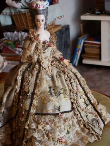 Poupées et jouets Marie Antoinette 10414011