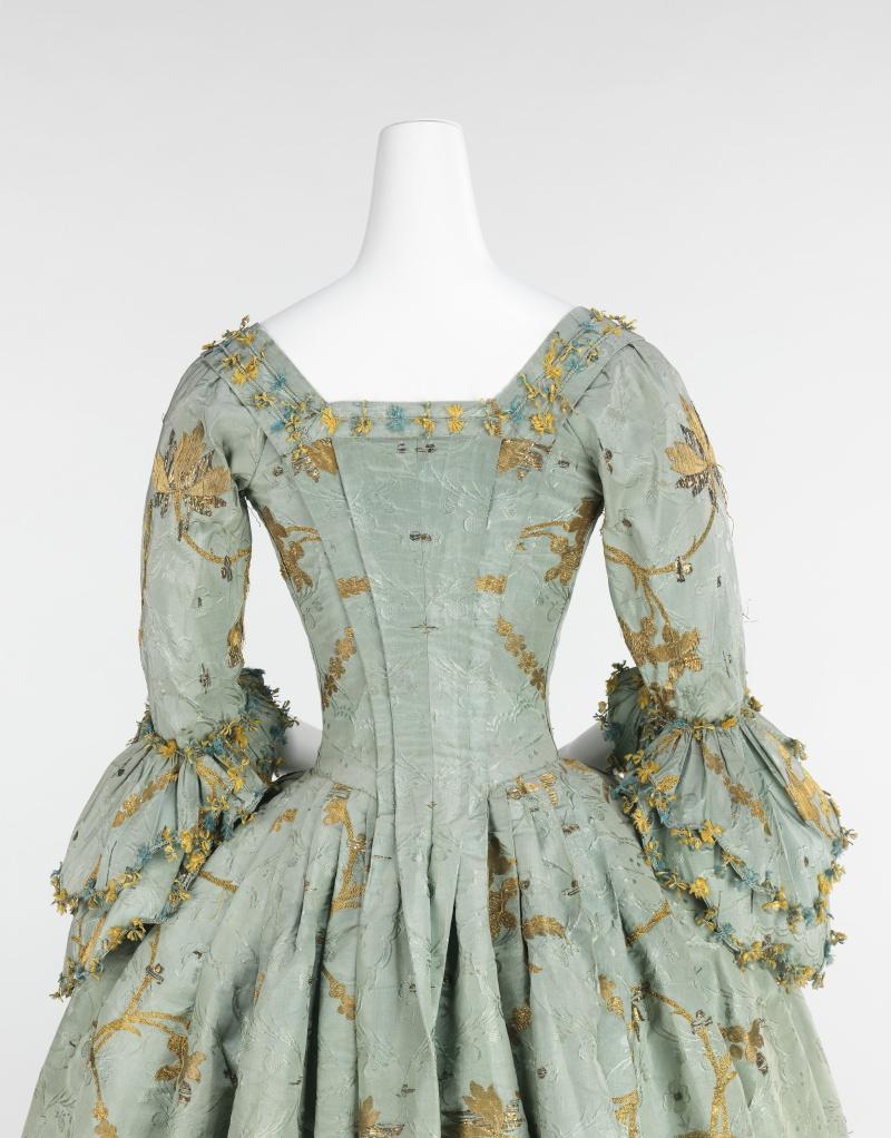 robes XVIIIe: styles, couleurs et matières  34_50710