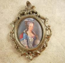 A vendre: miniatures de Marie Antoinette et de ses proches - Page 2 46502710