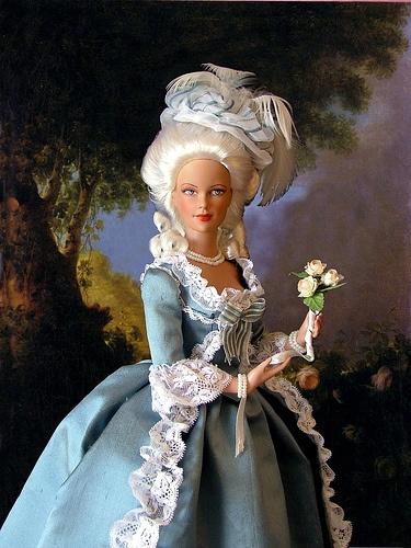 Poupées et jouets Marie Antoinette 606bd410