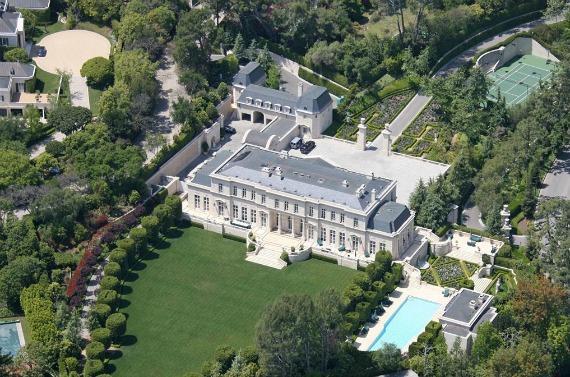 Fleur de lys et Versailles à LA: vente record 66180810