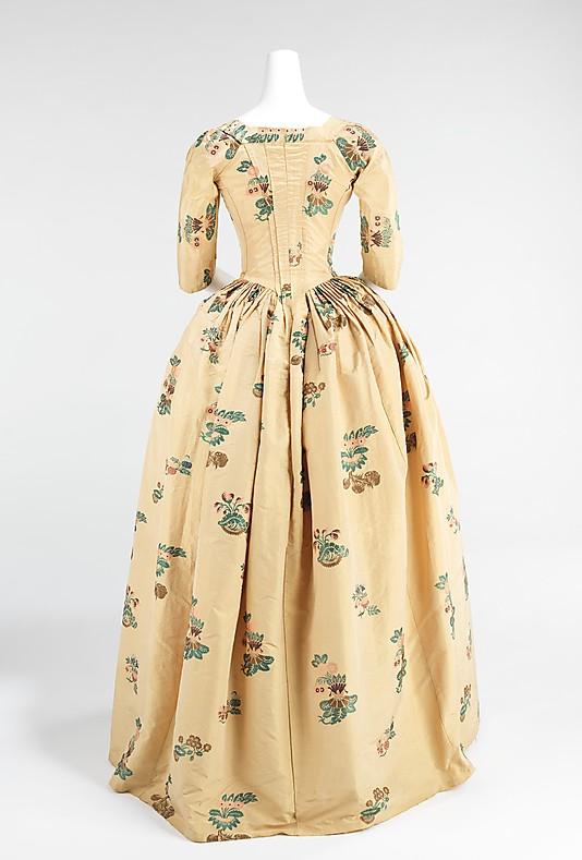 robes XVIIIe: styles, couleurs et matières  73_3_112