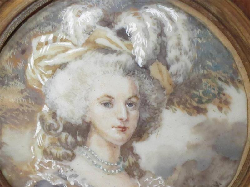 A vendre: miniatures de Marie Antoinette et de ses proches 74603811