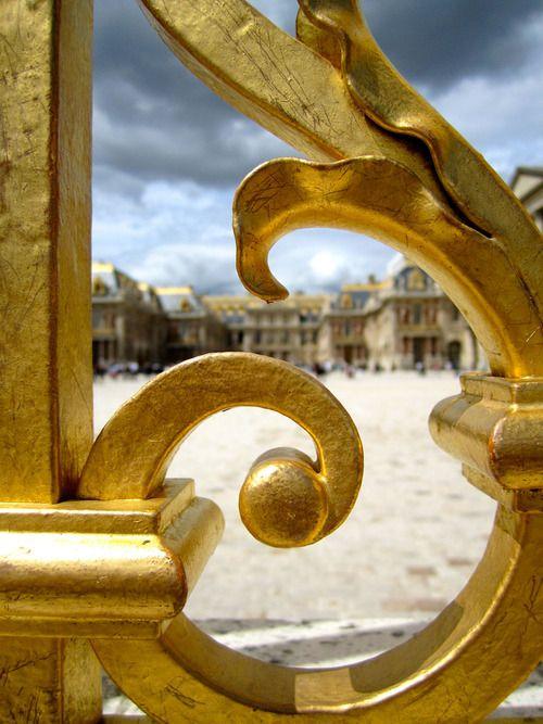 Versailles: les grilles du château - Page 5 94a34f10