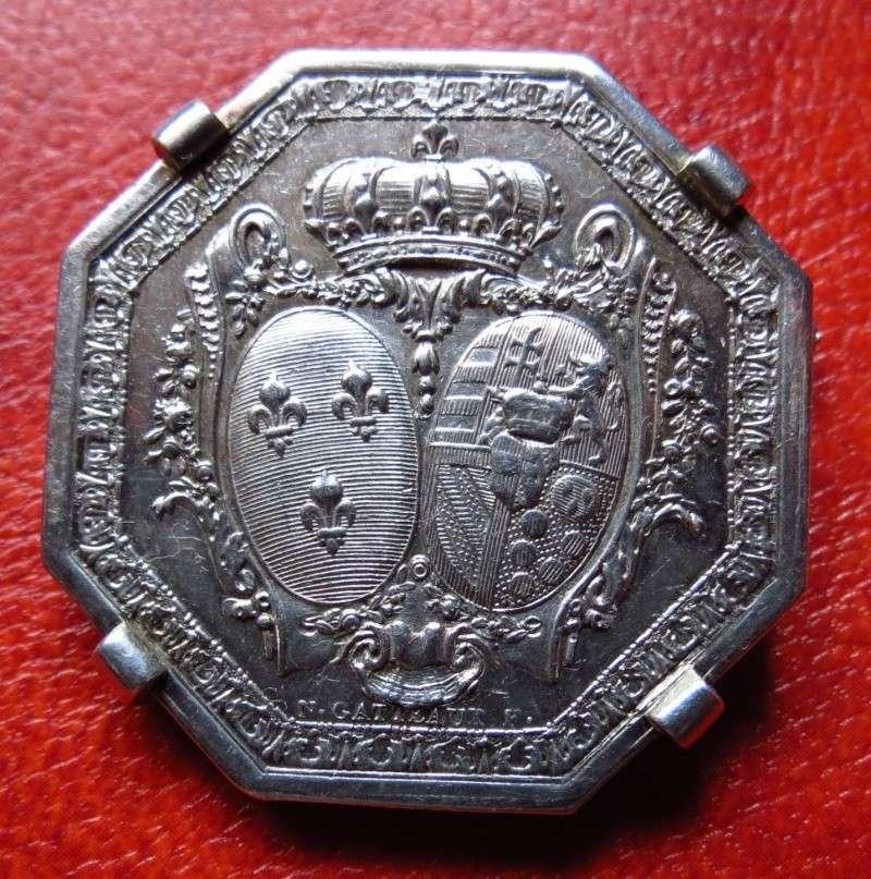 A vendre: meubles et objets divers XVIIIe et Marie Antoinette _5713