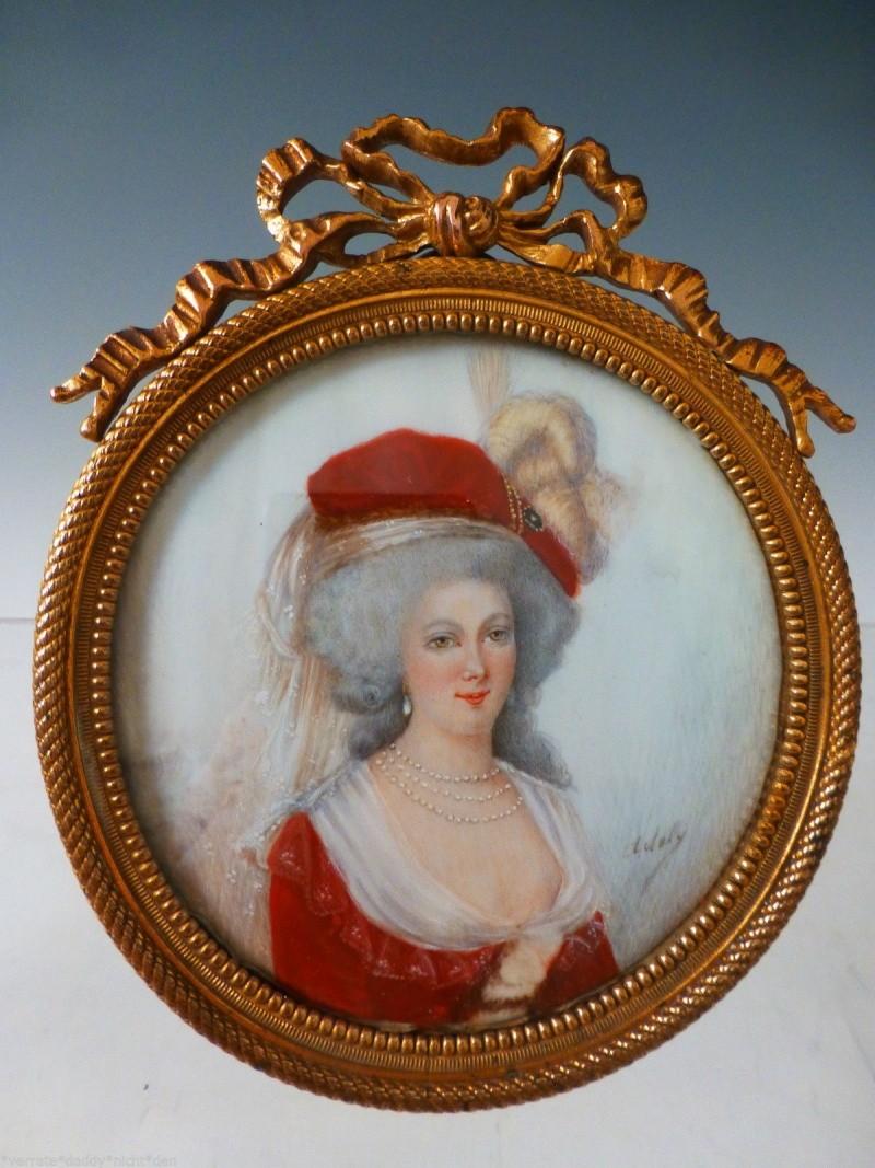 A vendre: miniatures de Marie Antoinette et de ses proches _5720