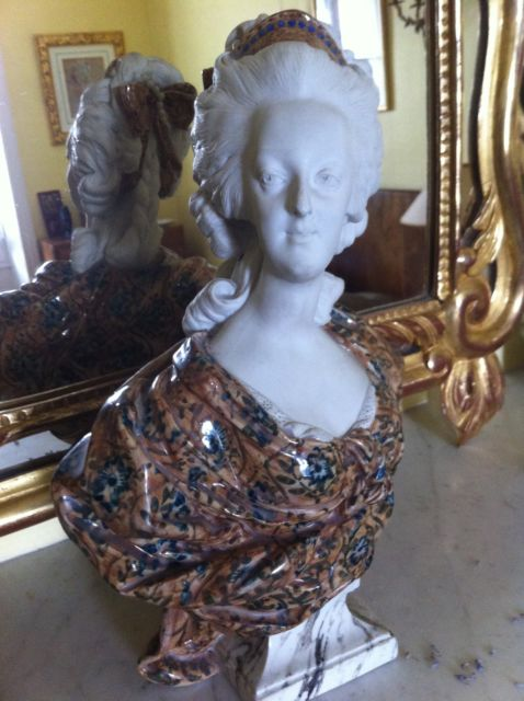 A vendre: bustes Marie Antoinette _5810