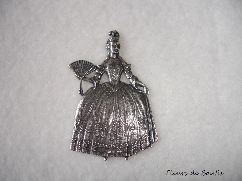 Objets inspirés par Marie Antoinette - Page 22 Autres10