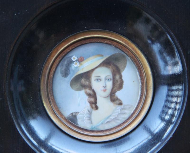 A vendre: miniatures de Marie Antoinette? Captur14
