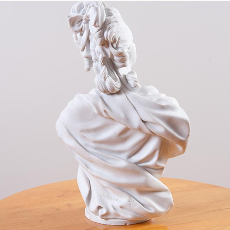 A vendre: bustes Marie Antoinette Dec00013
