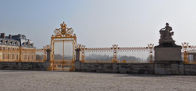 Versailles: les grilles du château - Page 5 Gateso10
