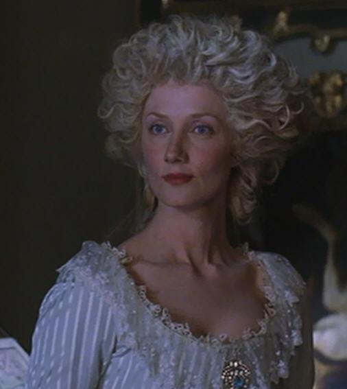 A vendre: miniatures de Marie Antoinette et de ses proches - Page 2 Joely-10