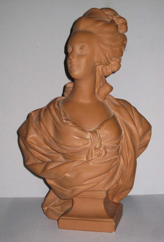 A vendre: bustes Marie Antoinette Kgrhqe10