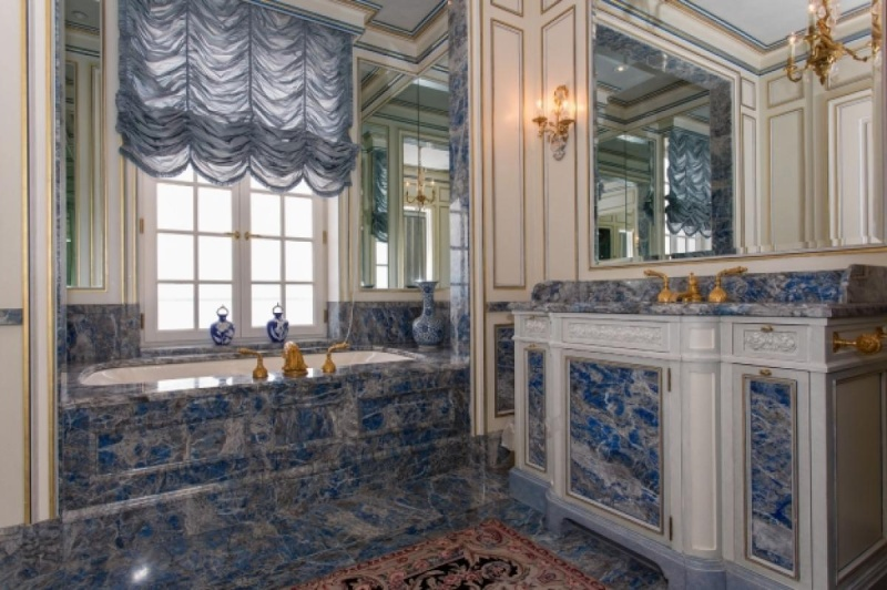 Collection et petit Trianon de Richard Baron Cohen  Oyster12