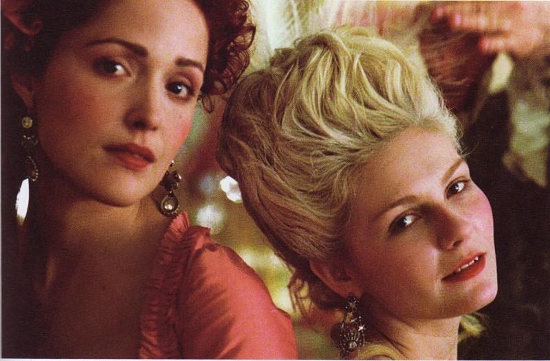 Que penser du Marie Antoinette de Sofia Coppola? Rose-i10