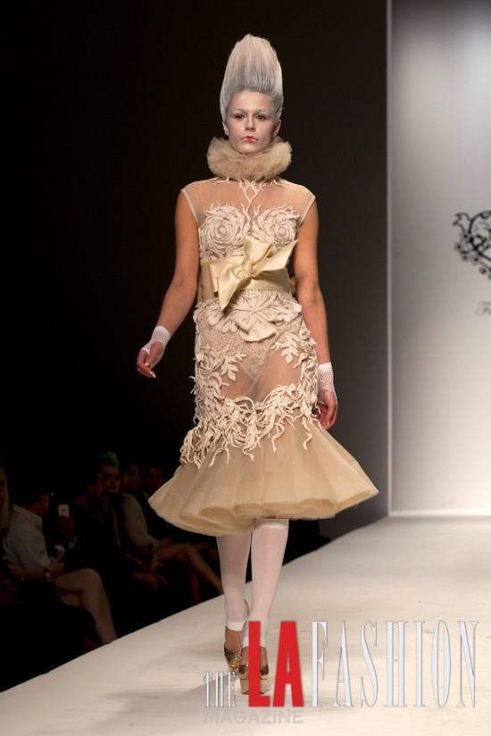 Marie Antoinette icône de la mode - Page 2 Sfwfur13