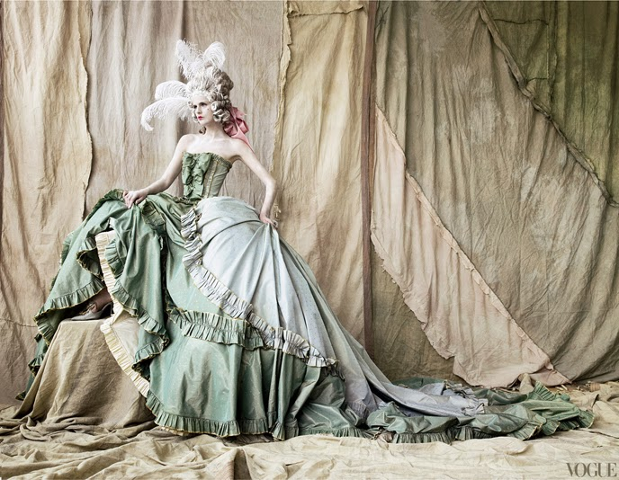 Marie Antoinette icône de la mode - Page 2 Testin10