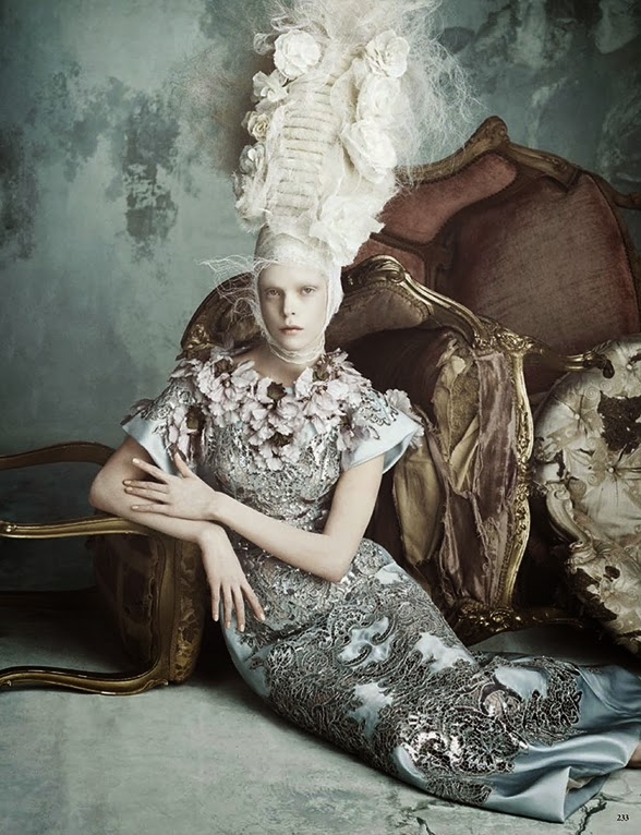 Marie Antoinette icône de la mode - Page 2 Vogger10