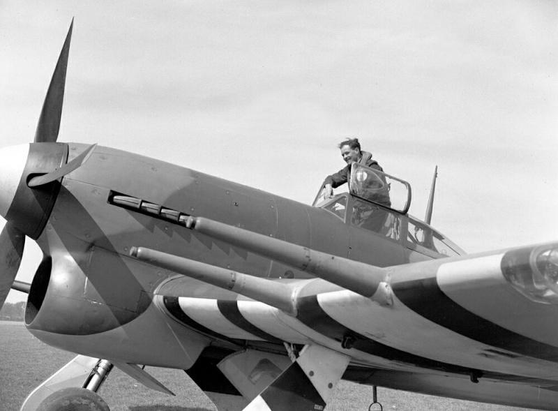 Belles et rares images d'époque. Hawker11