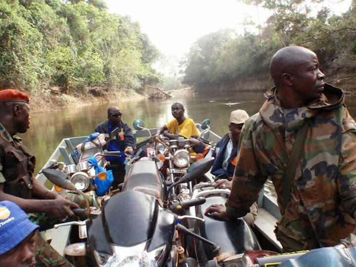 Photos de mes ballades moto en Afrique 48072910