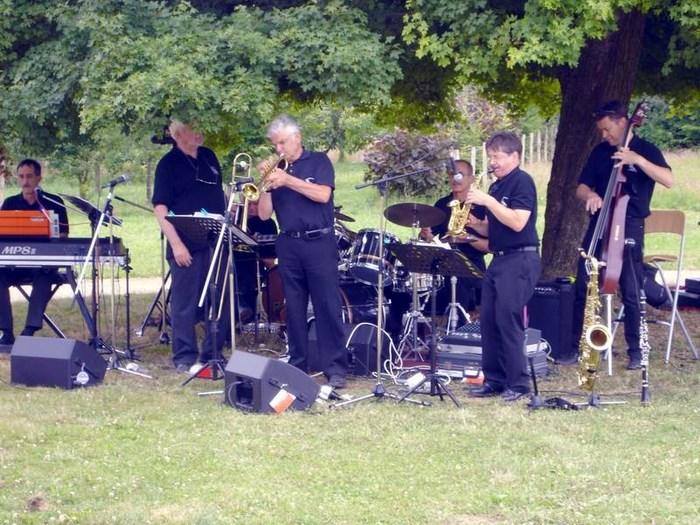 Concert en plein air pour les Amis de Durot 13 juillet 2009 6c831310