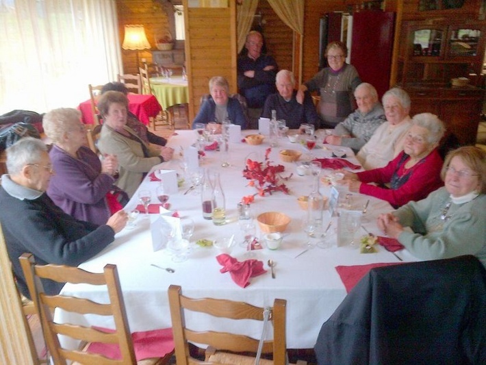 Le 14 décembre, repas des Anciens à Laives par le CCAS . Ccas_c10