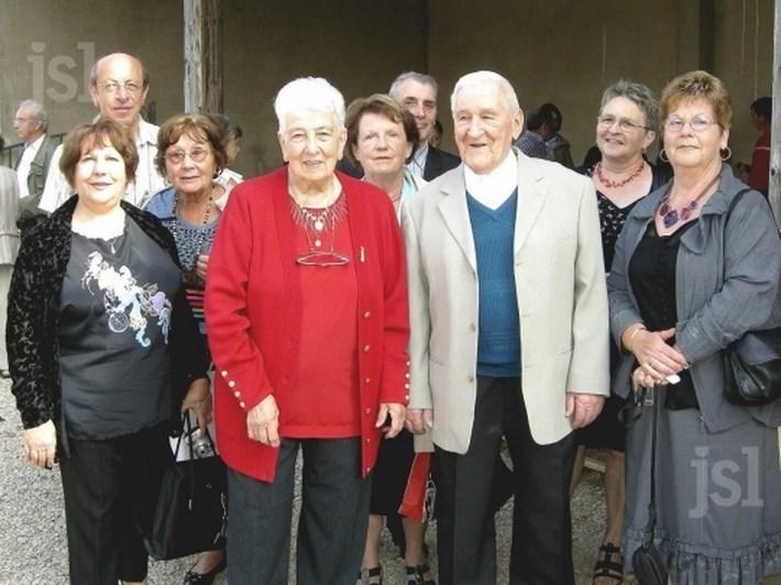 LA CHAPELLE-SOUS-BRANCION Un couple fêté par tout le village Ginett10