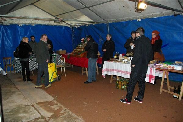 9 Décembre 2012 Marché de Noël La Chapelle s/Brançion Imgp0811