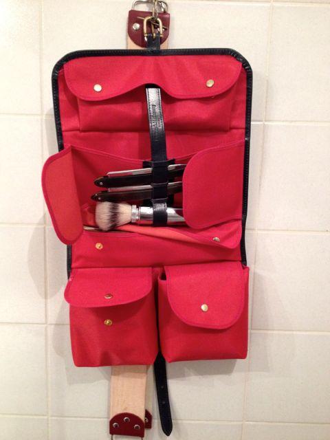 protéger une raquette dans une trousse de toilette - Page 2 Img_0014