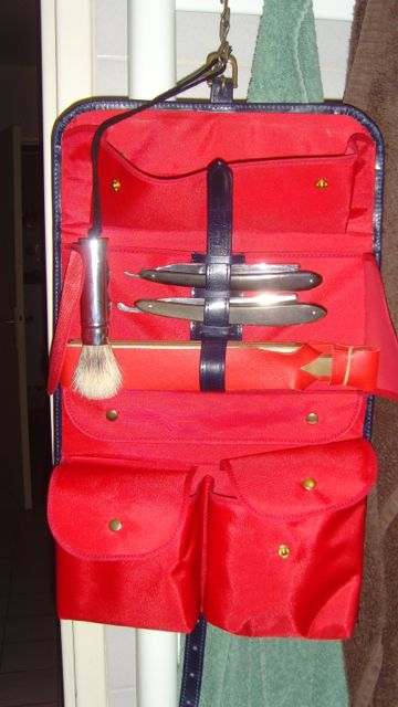 protéger une raquette dans une trousse de toilette Snv34911
