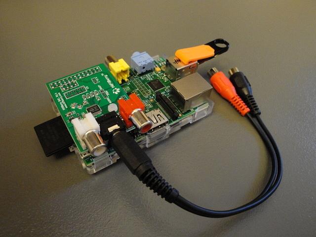 Interface USB vers I2S et intégration micro ordi comme serveur de musique... C'est totalement génial!!! Raspeb10