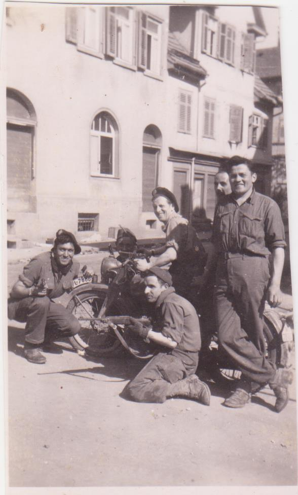 VAREA ANTOINE, bataillon de choc 43-45 - Page 3 11_00411