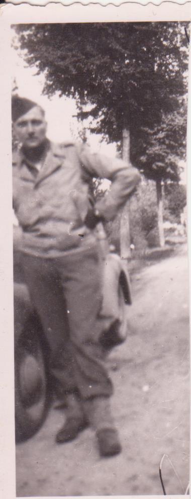 VAREA ANTOINE, bataillon de choc 43-45 - Page 3 31_00210