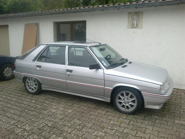 Ma R11 turbo 5 portes grise 620 de 1988 26052010