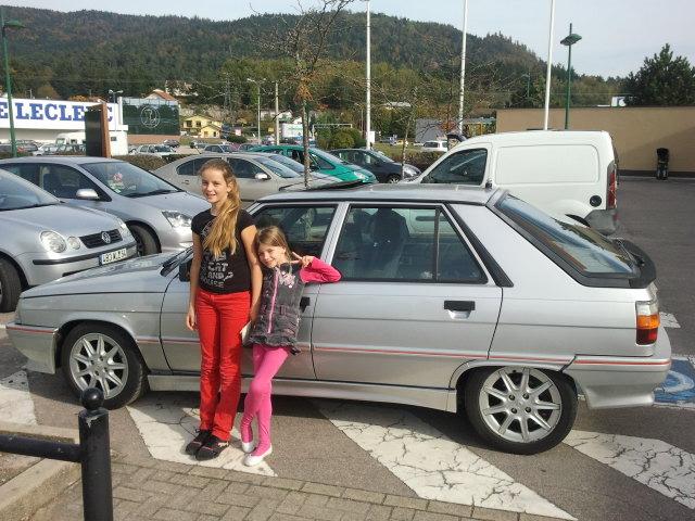 Ma R11 turbo 5 portes grise 620 de 1988 31911