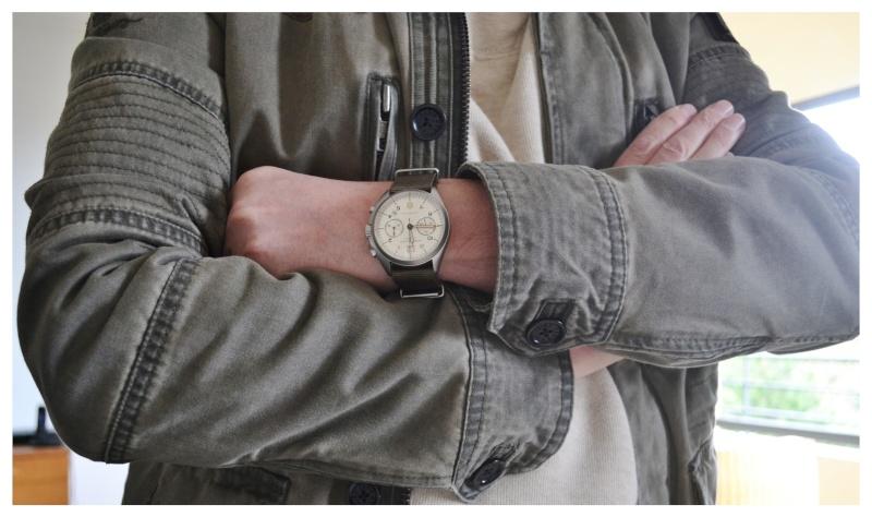 Khaki Pioneer Chronographe Wirsts11