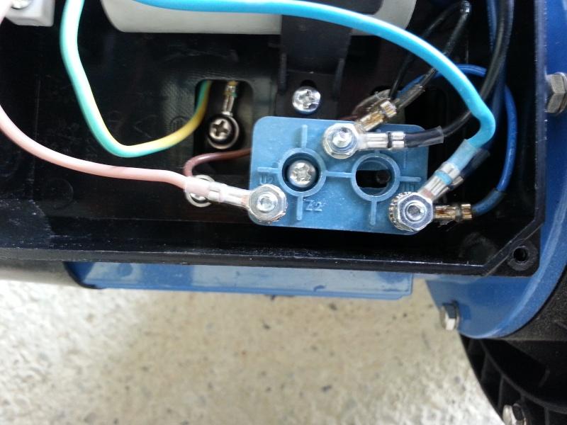 Connexion électrique pompe piscine 20140213