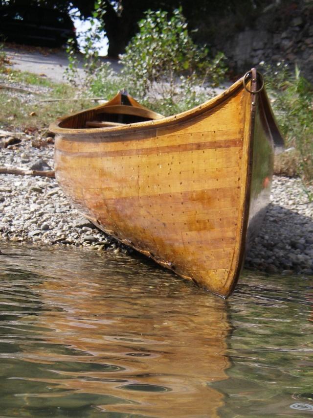 Coque de canoé en très mauvais état, besoin d'avis Charle11