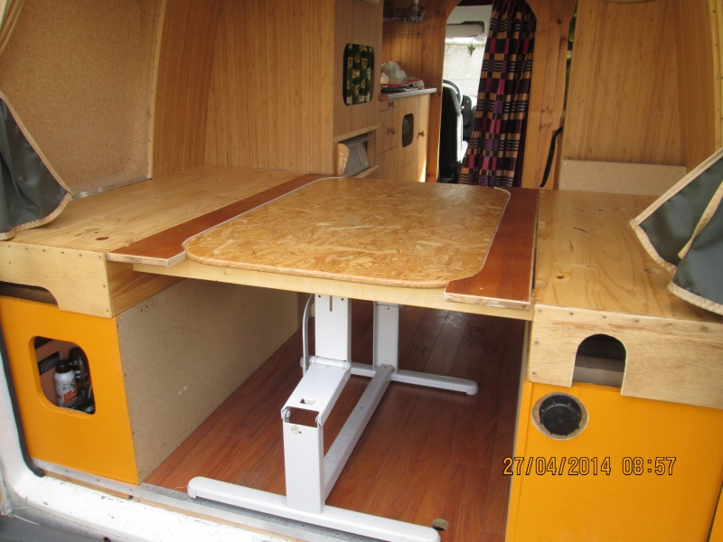 Transformation salon/couchette. Img_0328
