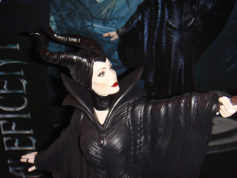 Maleficent - Page 15 _57m10